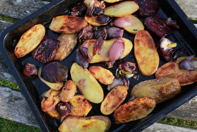 Same Charlotte roasted with onion and beetroot