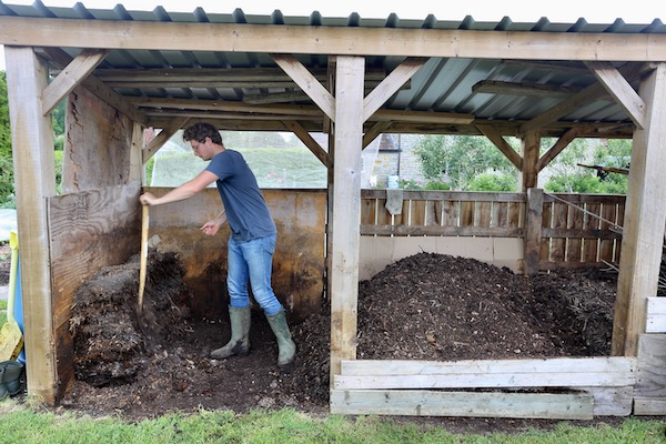 1 Shaving compost off old pile